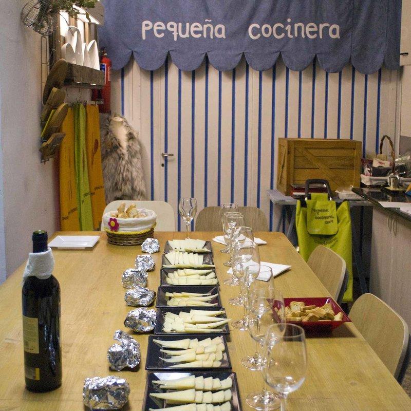 Cata de 8 quesos españoles Photo