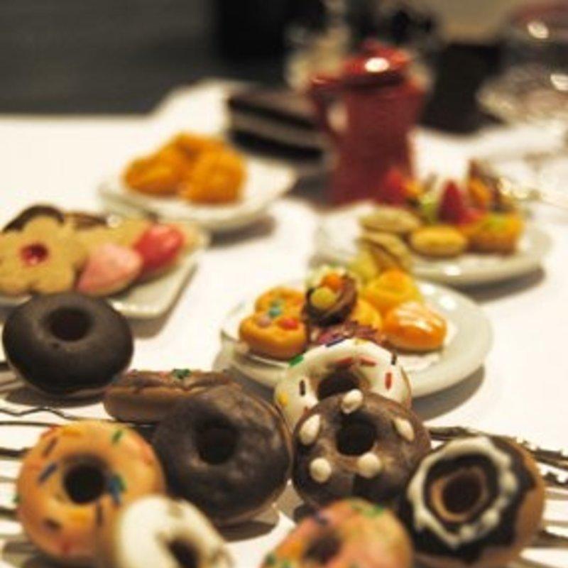 Taller de bisutería con miniaturas dulces photo 3 / 5
